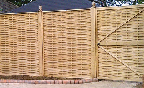 Quercus, English Oak, Weaved fence panel and gate