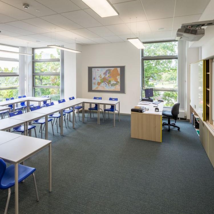 260.11.classroom.med_
